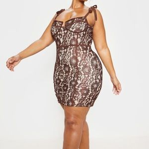 Pretty Little Thing Lace Body Con Dress Plus Size